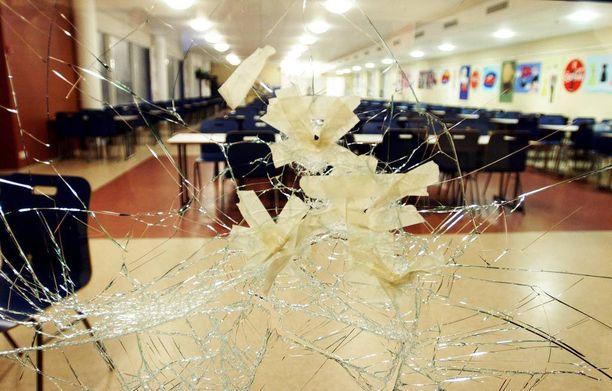 Suomessa on tapahtunut kaksi koulusurmaa, vuosina 2007 ja 2008.