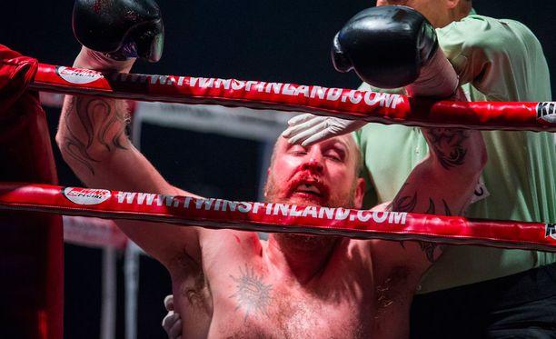 Huhtikuinen tappio oli Robert Heleniuksen ammattilaisuran ensimmäinen.
