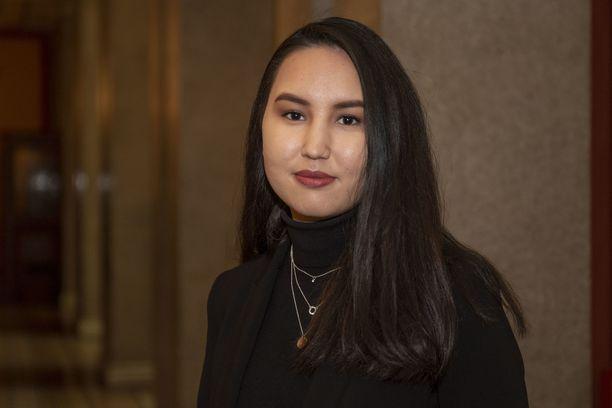 Zahra Karimy on kotoisin Helsingistä ja vaikuttaa monessa järjestössä.