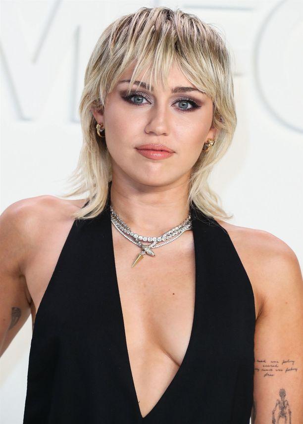 Miley Cyrus on tehnyt takatukasta tavaramerkkinsä.