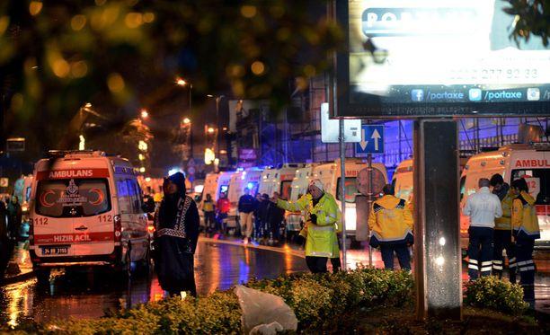 Turkin Istanbulissa tapahtui isku suosittuun yökerhoon.