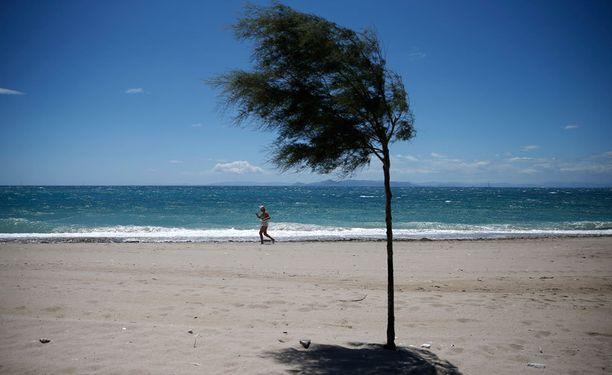 Kreikan rannat houkuttelevat edelleen turisteja.