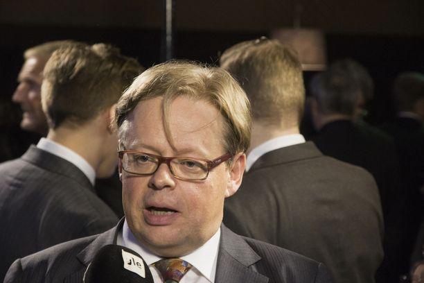 """Kansanedustaja Juhana Vartiaisen mukaan Suomen työmarkkinat toimivat huonosti, koska """"järjestöt ovat estäneet reformit""""."""