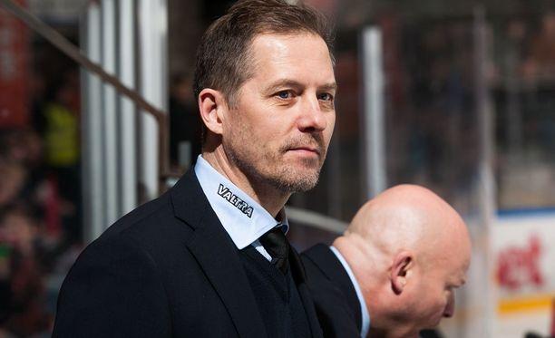 Ari-Pekka Siekkinen toimi Jypissä maalivahtivalmentajana ja joukkueenjohtajana.