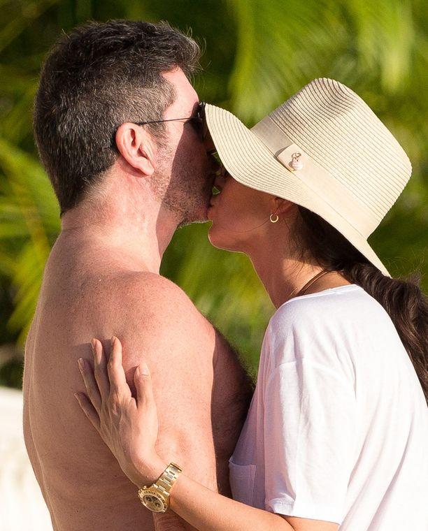 Simonin ja Laurenin salasuhde paljastui kesällä 2013.