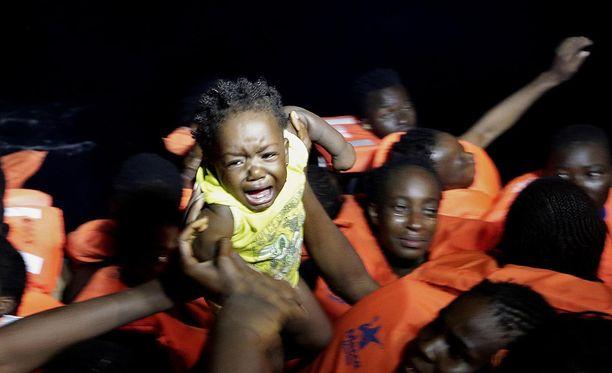 Jo 4 200 pakolaista on kuollut tänä vuonna ylittäessään Välimerta.