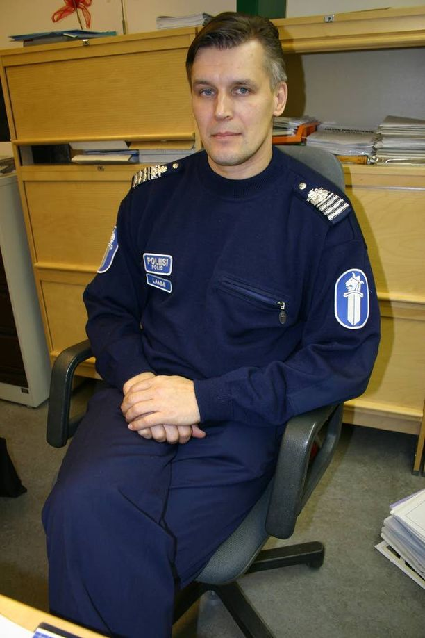 Poliisiylitarkastaja Risto Lammi haluaa purkaa mystiikan liikenteessä tapahtumien itsemurhien ympäriltä.
