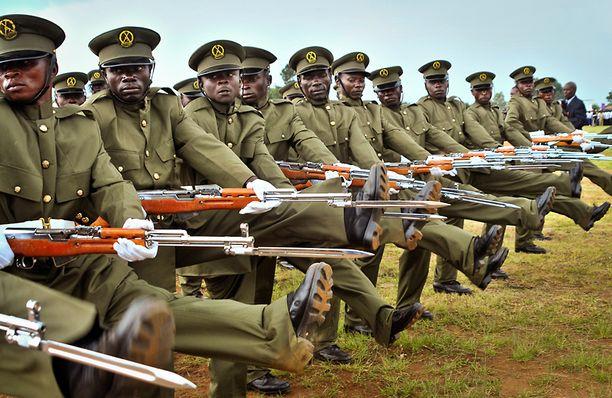 Ugandan puolustusvoimien sotilaat marssivat itsenäisyyspäivän paraatissa lokakuun 9. päivä.