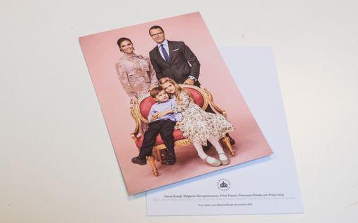 Kruununprinsessa Victorian perheestä uusi potretti – prinsessa Estelle poseeraa kierrätysmekossa