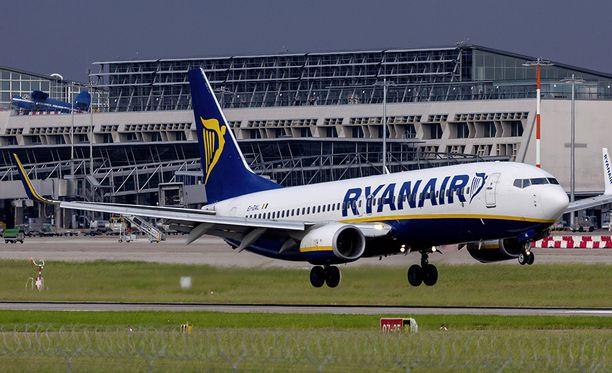 Ryanairin lento oli matkalla Manchesterissa Ibizalle.
