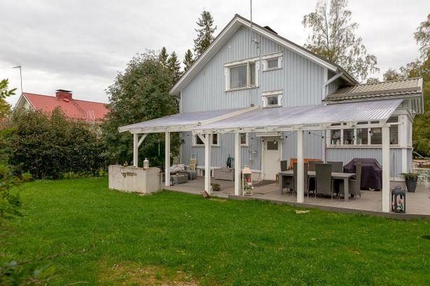 Tampereella sijaitsevaa rintamamiestaloa on remontoitu vuosina 2009-2018. Talo on rakennettu vuonna 1954.