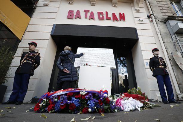 Terroristit hyökkäsivät muun muassa Bataclanin konserttisaliin.