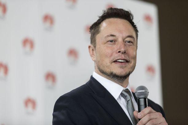 Teslan toimitusjohtaja Elon Musk kertoo pääsevänsä käsiksi kaikkein viimeisimpään tekoälyteknologiaan.