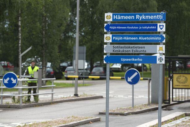 Nurmen sijoituspaikka oli vuosina 1990-2007 Hämeen rykmentti. Vuoden 2008 alusta hänen virkansa oli Sotilaslääketieteen Keskuksessa.