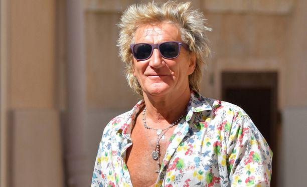 Rod Stewart on 71-vuotiaana yhä hyvässä kunnossa.