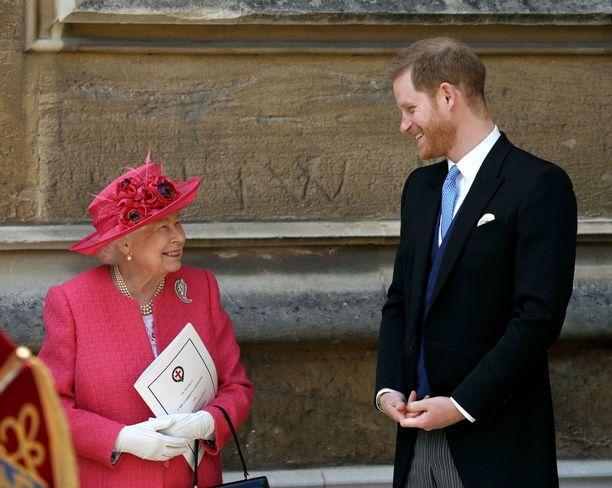 Prinssi Harrya on pidetty kuningattaren lempilapsenlapsena, sillä kaksikolla on aina ollut hyvin lämpimät välit. Kuva viime keväältä.