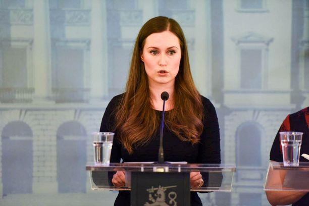 Pääministeri Sanna Marin (sd) on kertonut maanantaina hallituksen linjauksista koronaviruksen leviämisen torjumiseksi.