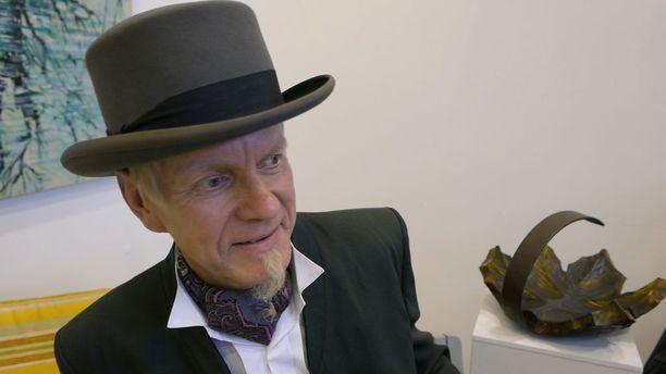 Kari Kärkkäinen esittää kansanperinteen kerääjää Kaarle Akseli Gottlundia.