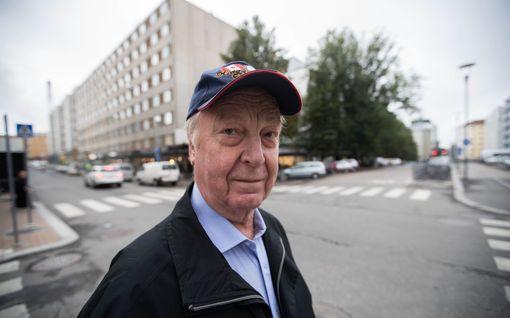 Kummallinen parkkeerausansa piinaa Tampereella - Heikki Heikkilälle lävähti sakko, olisi pitänyt kävellä 50 metriä kauemmas