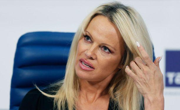 48-vuotias Pamela Anderson on entinen Playboy-malli.