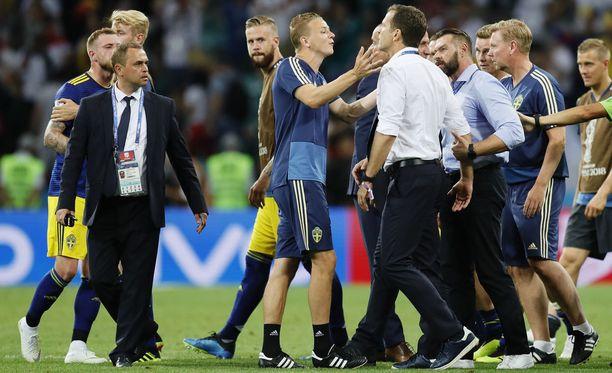 Saksan ja Ruotsin välisessä jalkapallon MM-ottelussa tunteet kävivät kuumina.