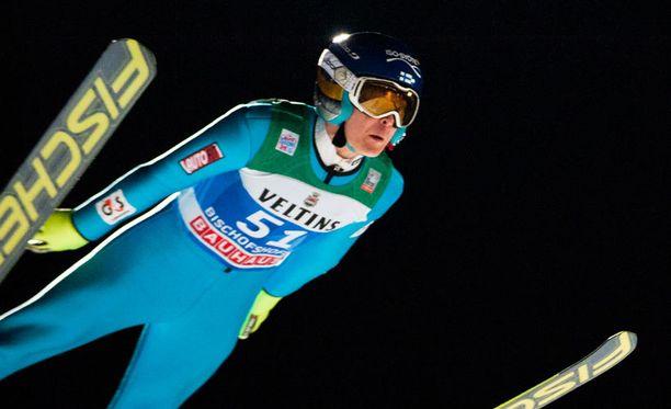 Jarkko Määttä hyppäsi karsinnasta Bischofshofenin loppiaiskilpailuun.