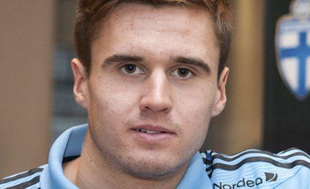 Carl Jenkinson on edustanut Suomea nuorten maajoukkueissa.