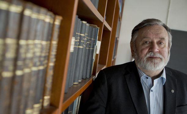 Timo Soikkanen on kirjoittanut ulkoministeriön historiaa.