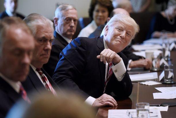 Ihmiset ovat oppineet pelaamaan Donald Trumpin tunteilla, arvioi Markus Tiittula.