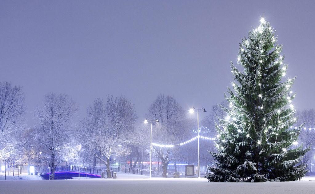 Uusi käänne: Kaksi lumisadealuetta lähestyy Suomea - valkean joulun todennäköisyys kasvoi juuri