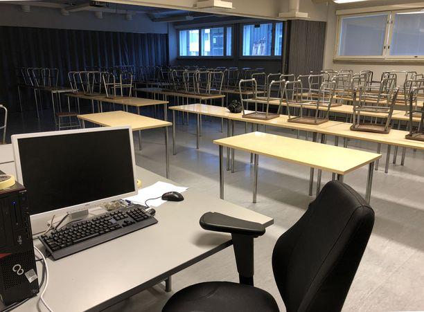 Tältä näyttää yksi nykyisen mallinen koulutustila Rannikkoprikaatissa Upinniemessä.