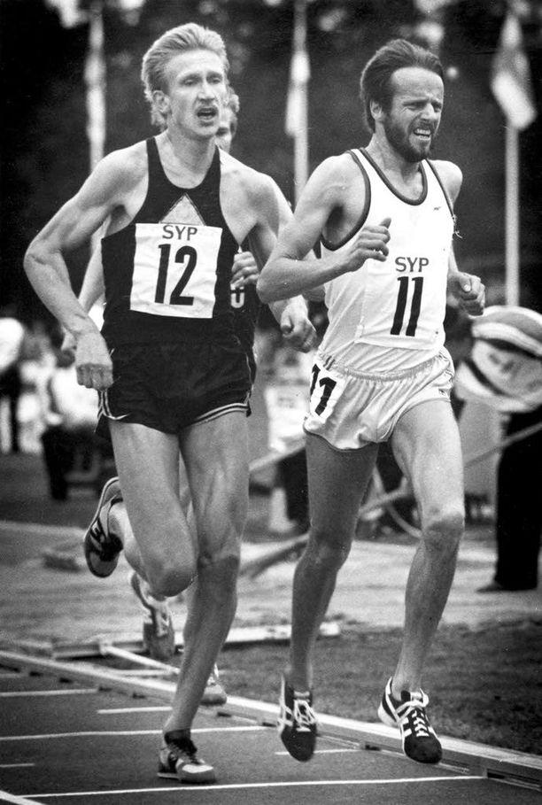 Martti Vainio (vas.) ja Lasse Virén kilpailivat myös samoissa starteissa.
