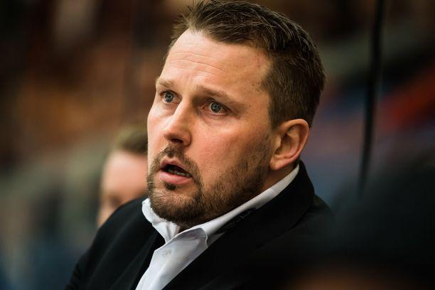 Antti Pennanen ja HPK ovat yhden voiton päässä välieräpaikasta.