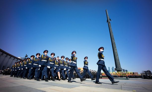 Moskovassa harjoitellaan voitonpäivän juhlallisuuksia varten.