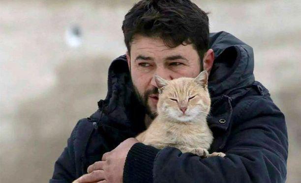 Kissoista on tullut minulle ystävien korvikkeita, kertoo Aljaleel.