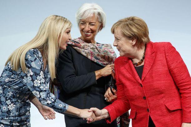 Ivanka Trump osallistui viime viikolla Women 20 -huippukokoukseen Saksassa. Rinnalla IMF:n johtaja Christine Lagarde ja liittokansleri Angela Merkel.