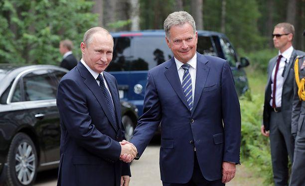 Tasavallan presidentti Sauli Niinistö ja Venäjän presidentti Vladimir Putin kättelivät heinäkuussa Punkaharjulla.