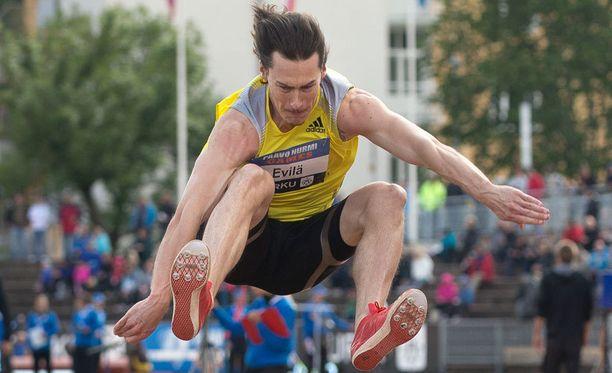 34-vuotias Tommi Evilä valittiin urallaan vuoden yleisurheilijaksi vuonna 2005.
