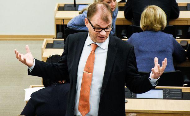 Juha Sipilä suututti ensin työntekijäpuolen, ja nyt myös työnantajapuoli on tuskastumassa hallituksen poukkoiluun.