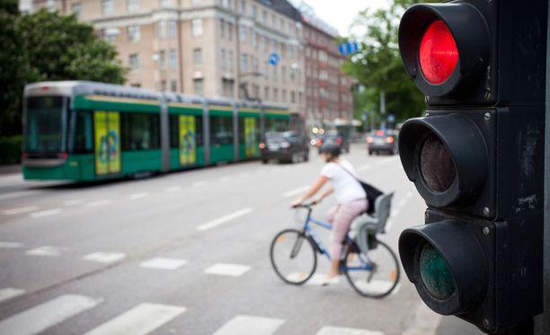 Helsingissä suojateiden kunnosta huolehditaan jatkuvasti.