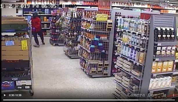 Ryöstäjät tallentuivat valvontakameraan.
