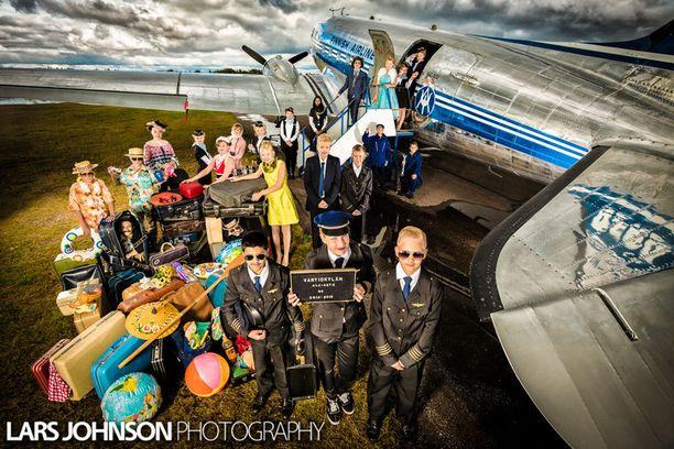 Vartiokylän ala-asteen koulun kuudes luokka on lähdössä lentoon.