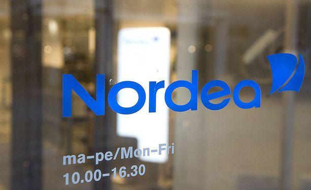 Nordea pahoitteli asiakasneuvojansa rasistista käytöstä Yagmur Özberkaniä kohtaan.