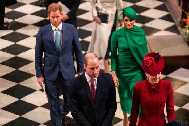 Saataisiinko nämä neljä, prinssi Harry, herttuatar Meghan, prinssi William ja herttutar Catherine, sopuisaan joulunviettoon?