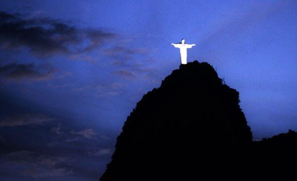 Muun muassa Rio de Janeiron Kristus-patsas tullaan valaisemaan sinivalkoiseksi.