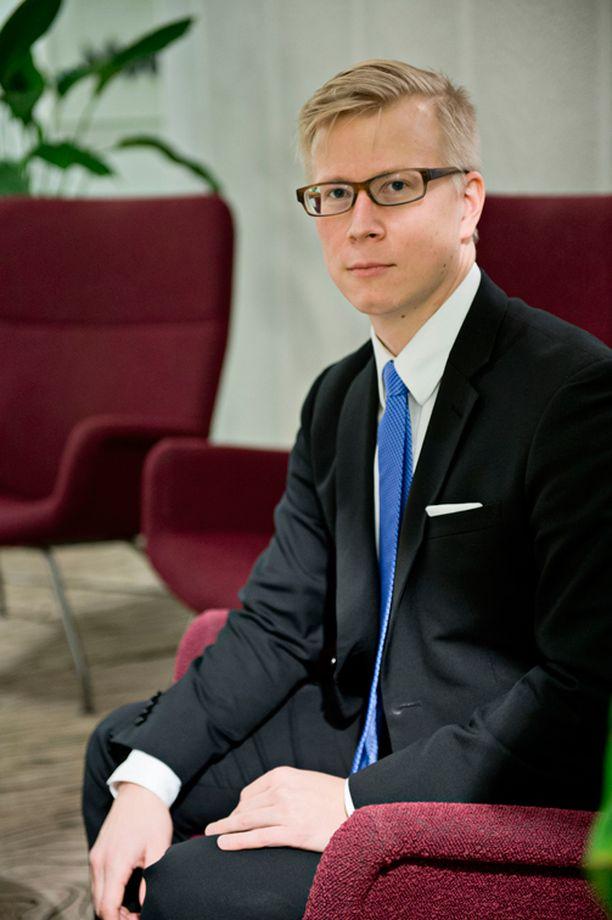 Teemu Sinkkonen ei pidä Isisin kostoa Suomelle todennäköisenä.