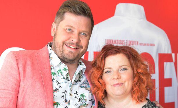 Janne Kataja ja Kiti Kokkonen näyttelevät Swingers -uutuuselokuvassa pariskuntaa.