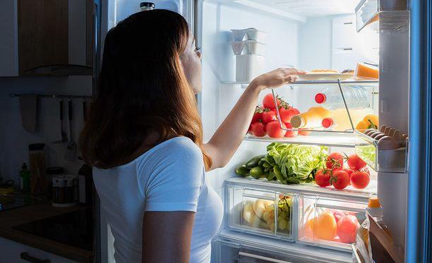 Suositeltavien ruoka-aineryhmien tuotteita kannattaa nauttia monipuolisesti eli syödään kaikkia kasviksia ja vihanneksia paljon, eikä pelkästään esimerkiksi porkkanaa.