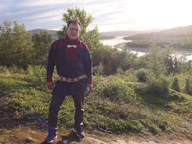 Nilla Tapiola on syntynyt Tenon rannalla ja kalastus on osa saamelakulttuuriperintöä.