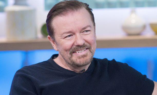 Ricky Gervais loi Konttorin yhdessä Stephen Merchantin kanssa. Miehet käsikirjoittivat ja ohjasivat sarjan.
